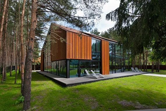 52215029192 Fantastiskt designat hus bland tallarna i Vilnius