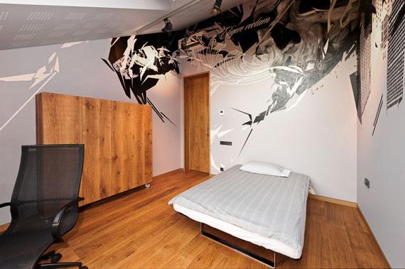 52215019844 Fantastiskt designat hus bland tallarna i Vilnius