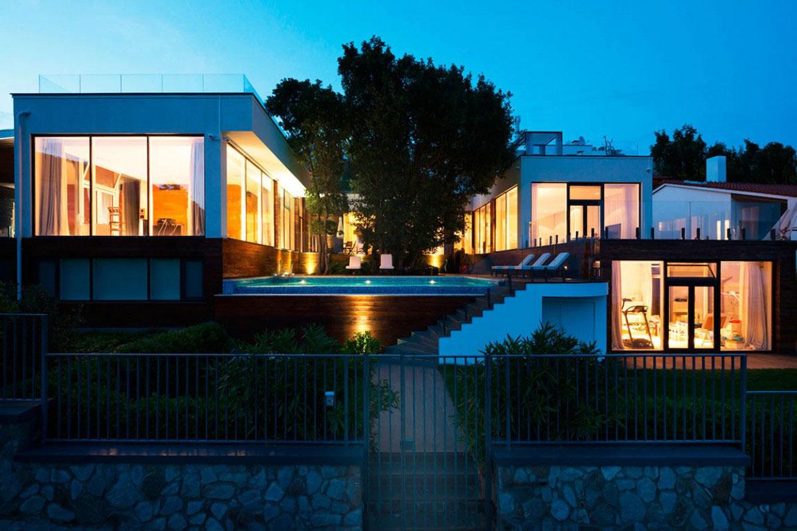 En villa på Krim som får dig att vända huvudet och titta två gånger.  23 En villa på Krim som får dig att vända på huvudet och titta två gånger
