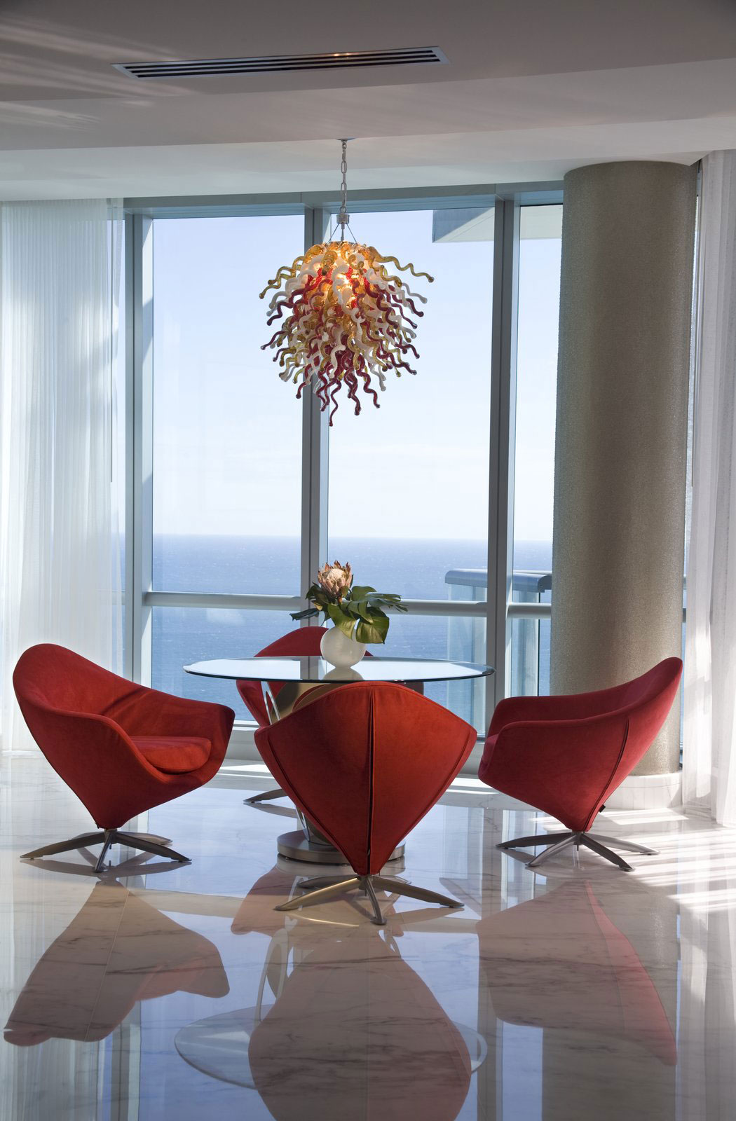 A-Contemporary-Design-Of-A-Penthouse-That-is-not-too-modern-or-cold-8 En modern design av en penthouse som inte är för modern eller kall