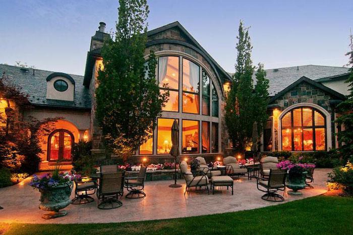 84912509002 Vacker herrgård med traditionell inredning - Holladay Estate