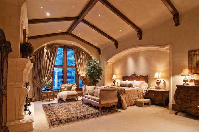 84912661492 Vacker herrgård med traditionell inredning - Holladay Estate