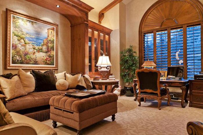 84912685842 Vacker herrgård med traditionell inredning - Holladay Estate