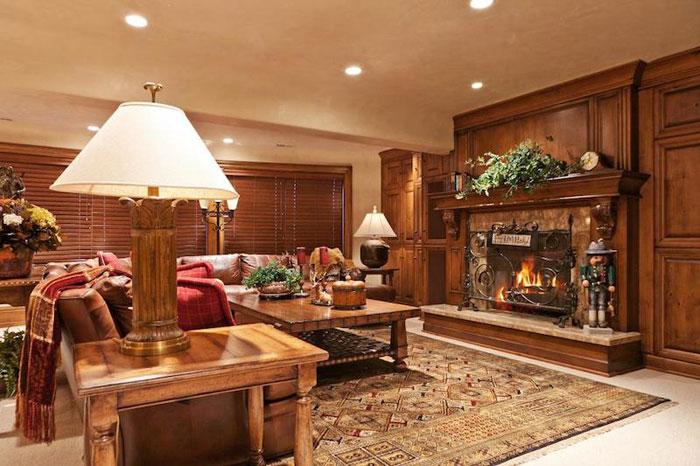 84912607612 Vacker herrgård med traditionell inredning - Holladay Estate