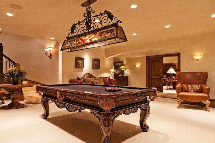 84912612992 Vacker herrgård med traditionell inredning - Holladay Estate