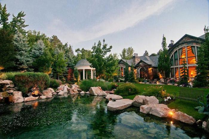 84912493897 Vacker herrgård med traditionell inredning - Holladay Estate