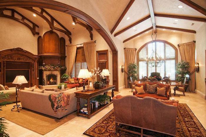 84912520697 Vacker herrgård med traditionell inredning - Holladay Estate