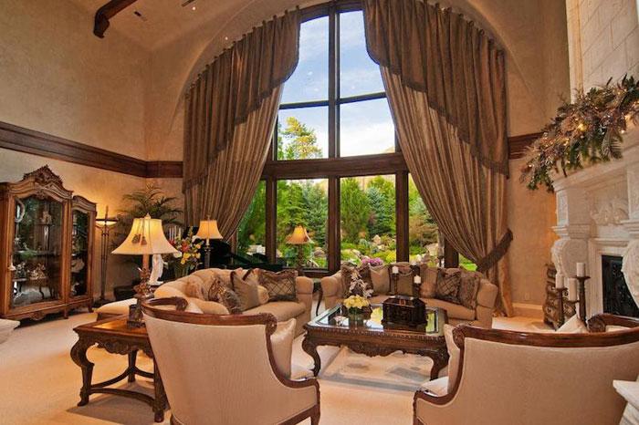 84912596877 Vacker herrgård med traditionell inredning - Holladay Estate