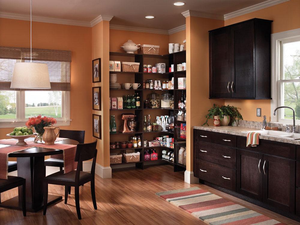 Capital-Closets-by-Capital-Closets Använd hörnhyllor för att få ut det mesta av ditt kök