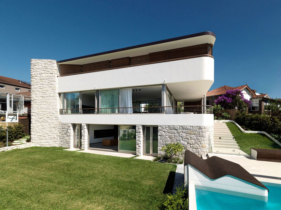 Balkong-över-Bronte-av-Luigi-Rosselli-arkitekter Om du någonsin utformar ditt eget hus, gör det med en arkitektur som den här