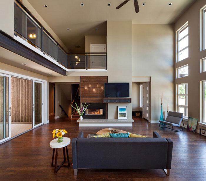 82285416824 Hus med natursten och trä exteriör och en avancerad interiör