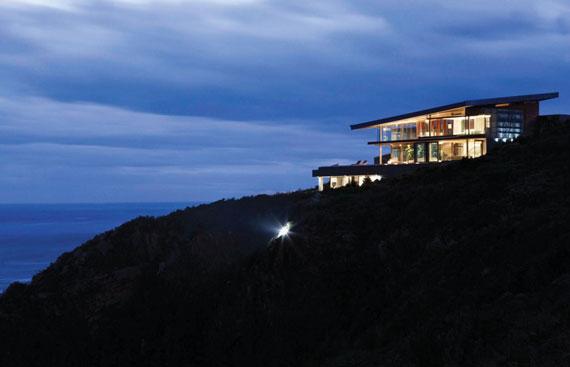 Var fantastisk havsutsikt hus med en rymlig interiör