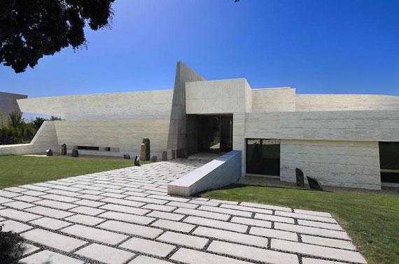 m8 hus med marmor exteriör designat av A-Cero i Pozuelo de Alarcón, Madrid