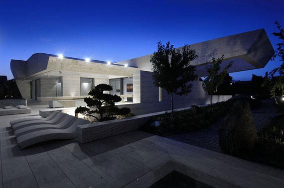 m4 hus med marmor exteriör designat av A-Cero i Pozuelo de Alarcón, Madrid