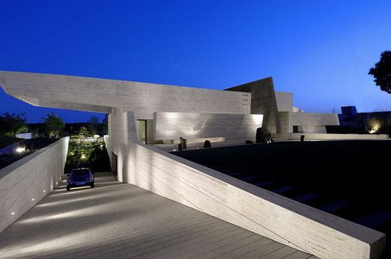 m5 hus med marmor exteriör designat av A-Cero i Pozuelo de Alarcón, Madrid