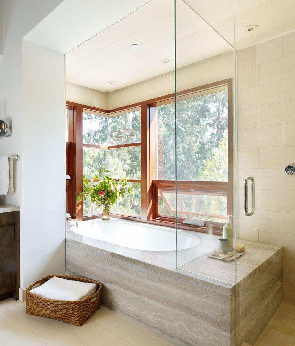 Lyxigt hem omgivet av träd som kompletterar dess eleganta möbler.  15 Lyxigt hem omgivet av träd som kompletterar dess eleganta möbler