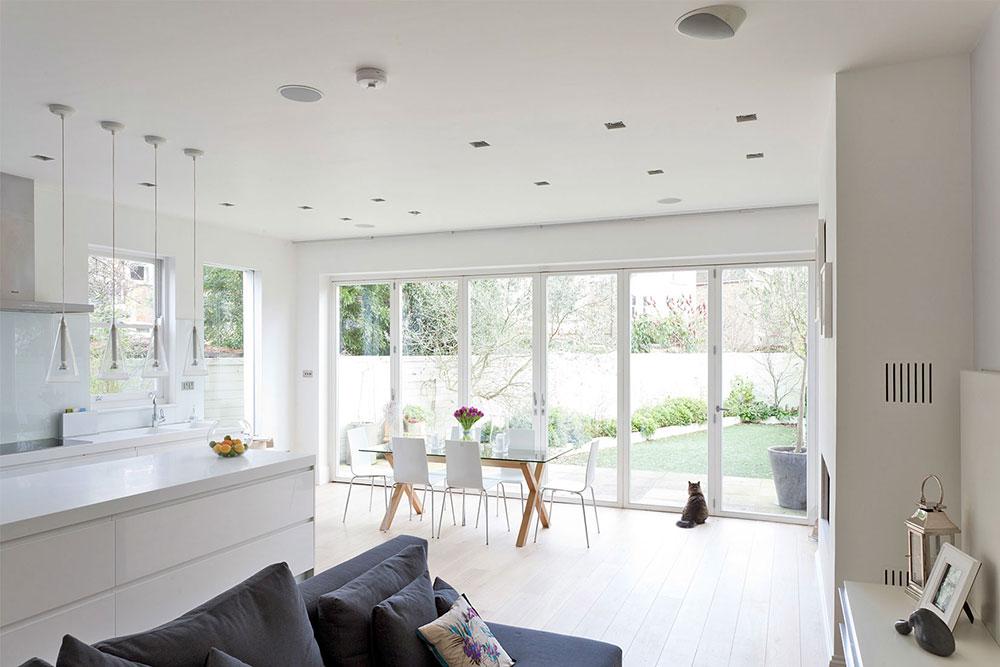 A-Crisp-White-Home-homedsgn.com_ Experttips för att öka ditt fastighetsvärde