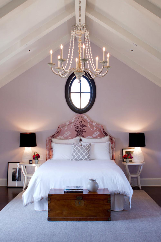 Palisades-Riviera-by-Jackson-Paige-Interiors-Inc.  Färgen på lavendel och färgerna som passar till lavendel