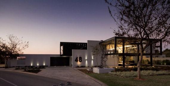 b19 Modern byggnad Ber House designad av Nico van der Meulen Architects