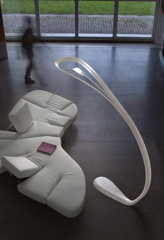 q25 Moderna och vintage golvlampedesigner för att dekorera och lysa upp dina rum