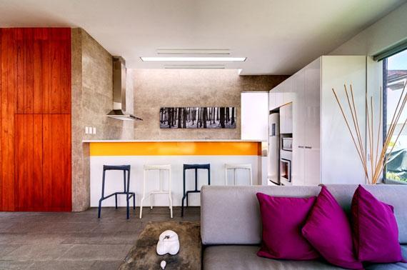 48203020425 Modernt hus Casa Seta designat av Martin Dulanto