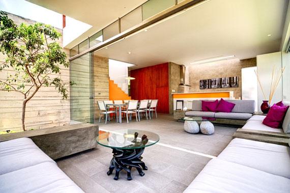 48203039034 Modernt hus Casa Seta designat av Martin Dulanto