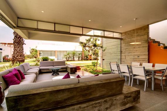 48203049764 Modernt hus Casa Seta designat av Martin Dulanto