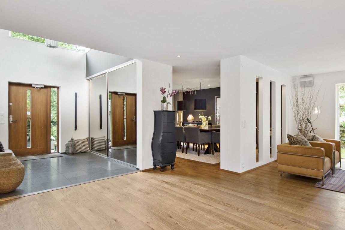 Svensk-Villa-In-Saro-Mit-Elegant-4 Svensk Villa i Saro med elegant designade rum