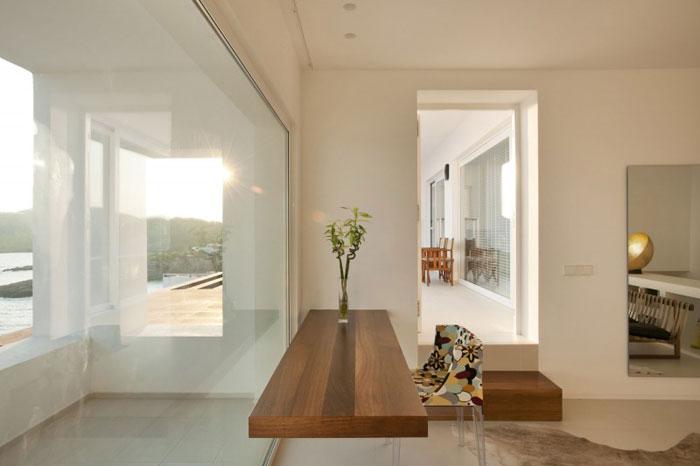 69685880352 Ren och enkel Dupli Dos House designad av Juma Architects