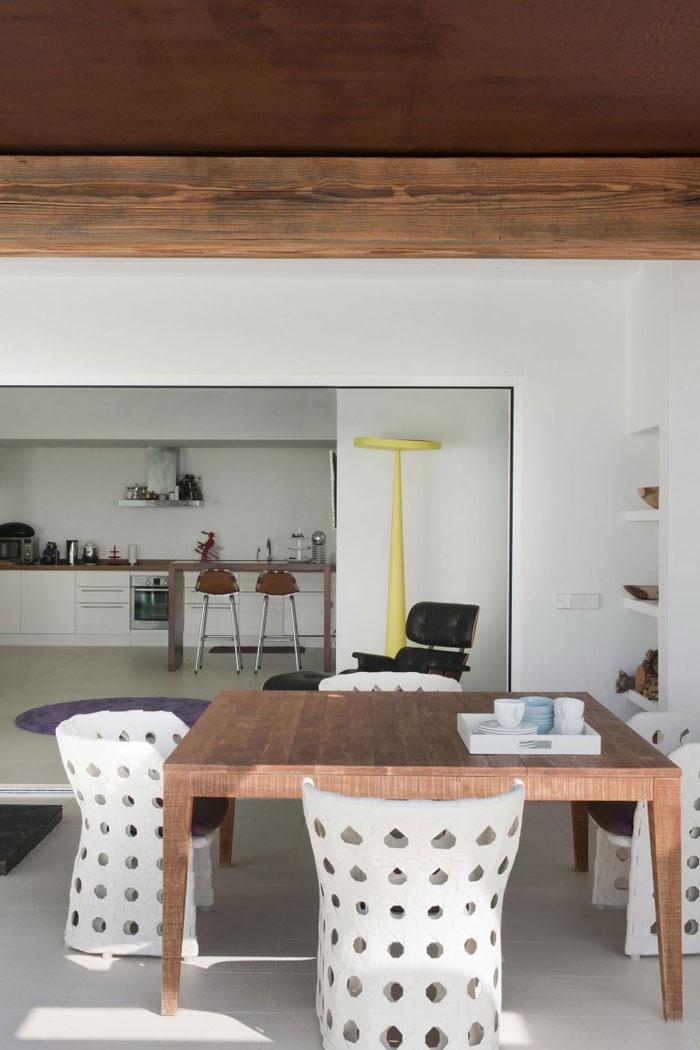 69685860359 Rent och enkelt Dupli Dos-hus designat av Juma Architects