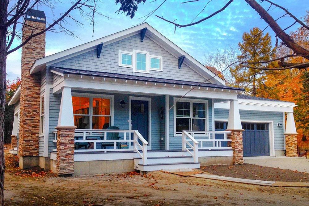 Små husplaner med bifogat garage Vackra småhusplaner med arkitektoniska utkast för småhus med bifogat garage När ska du gå till en anpassad hembyggnad?