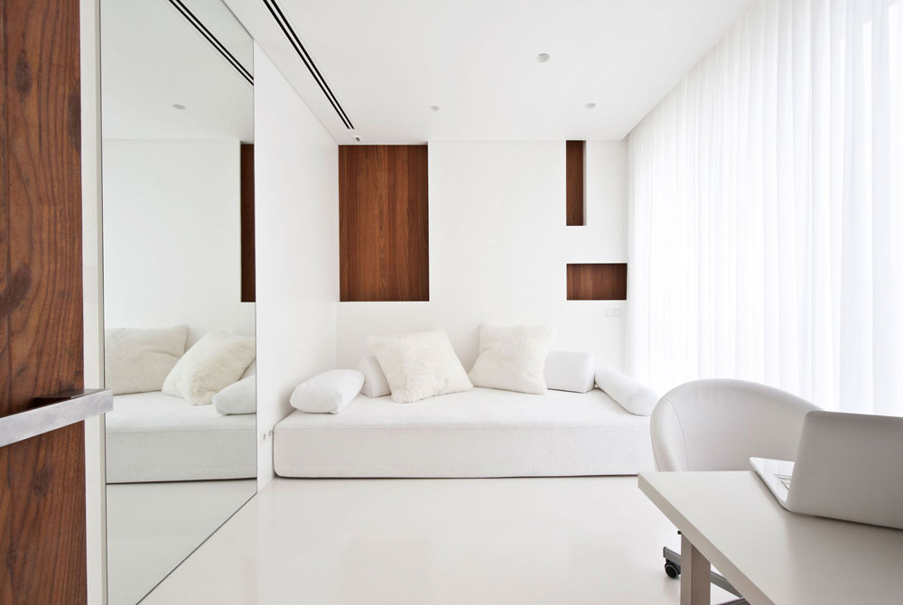 White-Apartment-Interior-Design-Showcase-13 White Apartment Interior Design Showcase