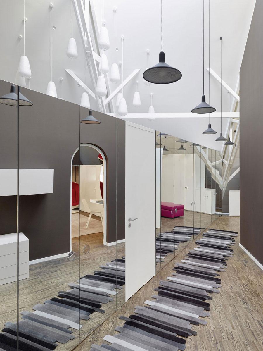 13 Modern och futuristisk inredning för loft