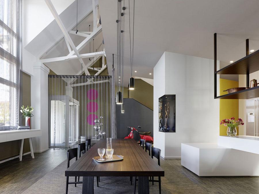 9 Modern och futuristisk inredning för loft