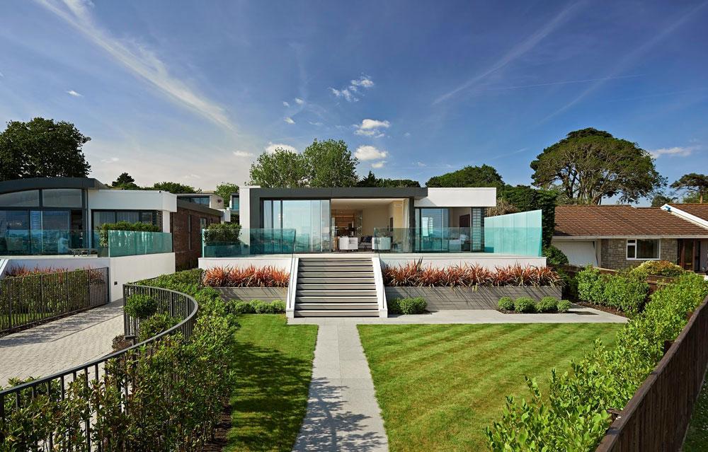 A-par-av-modern-engelska-hus-1 Ett par av modern-engelska hus med vacker interiör