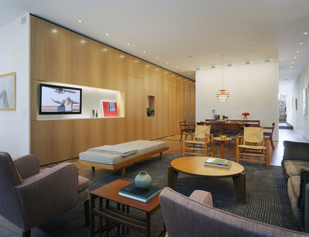SoHo-Loft-Living Room-by-GDG-Designworks Liten lägenhet vardagsrum idéer på en budget
