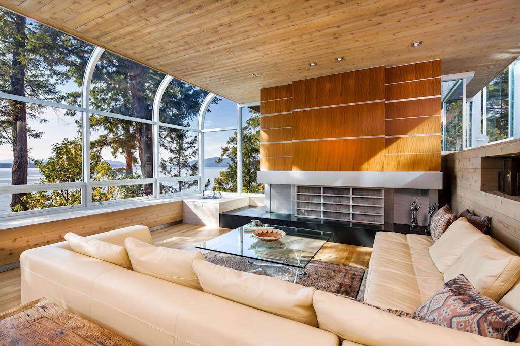 Vackert-kanadensiskt hus-med-trä-interiör-3 Vackert-kanadensiskt hus med-träinredning