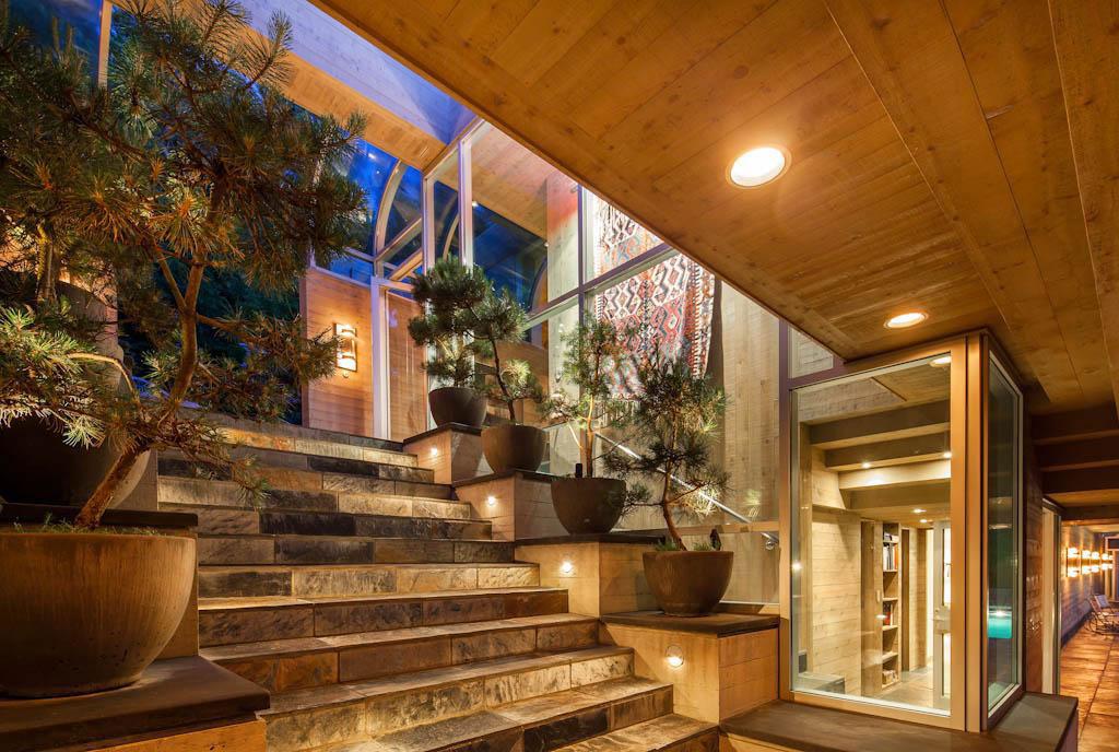 Vackert-kanadensiskt-hus-med-trä-interiör-11 Vackert-kanadensiskt-hus med trä-interiör