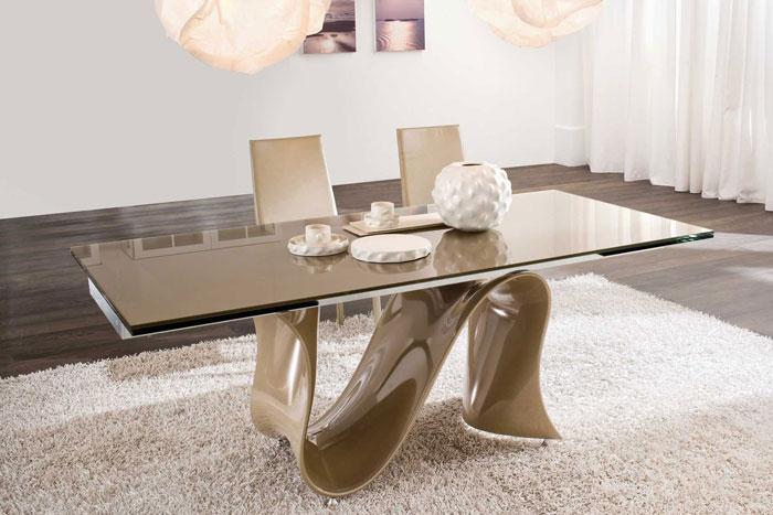 67958700821 Matbord av glas ger din interiör en modern touch