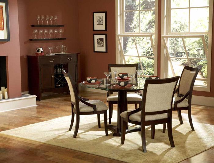 67958507806 Matbord i glas för att ge din interiör en modern touch