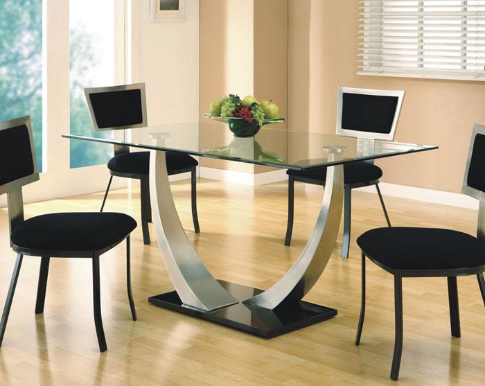 67958685869 Matbord i glas för att ge din interiör en modern touch