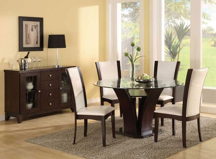 67958664559 Matbord i glas ger din interiör en modern touch