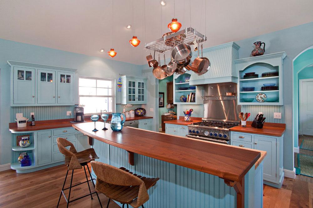 Bermuda-Colonial-Residence-by-Village-Architects-AIA-Inc.  Blå köksidéer: skåp, väggar och diskar