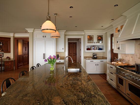 v16 Maclure-stil Ocean-Front Home Windward Oaks av Michael Knight