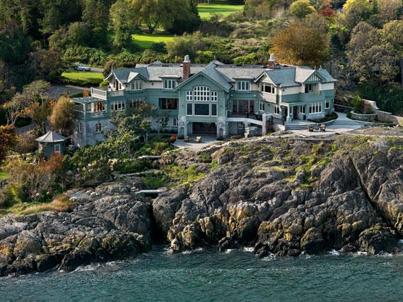 v4 Maclure-stil Ocean-Front Home Windward Oaks av Michael Knight