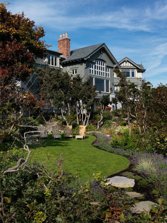 v2 Maclure-stil Ocean-Front Home Windward Oaks av Michael Knight