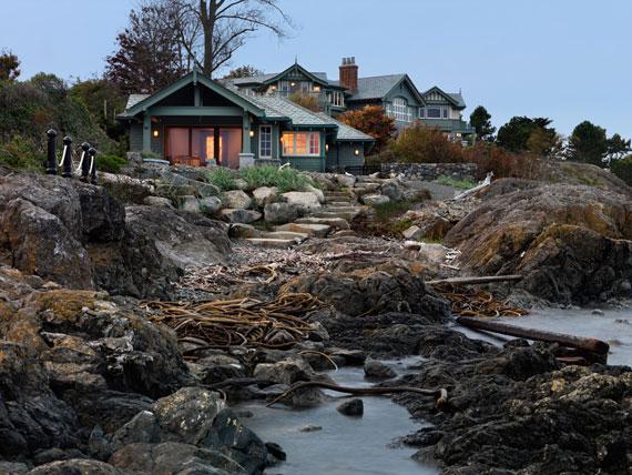 v6 Maclure-stil Ocean-Front Home Windward Oaks av Michael Knight