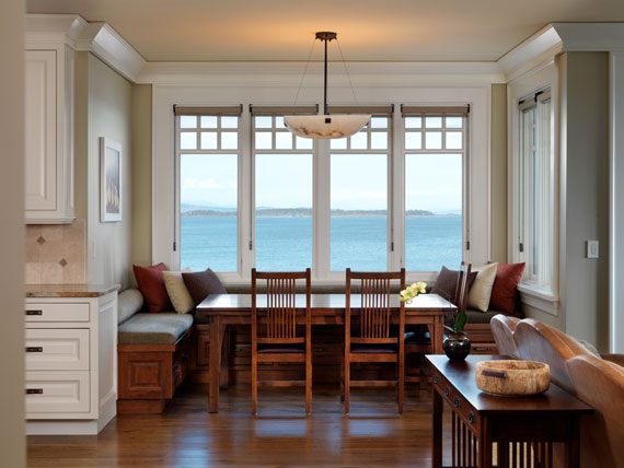 v15 Maclure-stil Ocean-Front Home Windward Oaks av Michael Knight