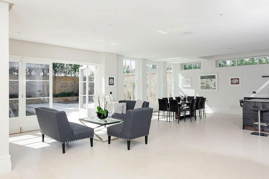 4 elegant brittiskt hem med rymlig och elegant inredning
