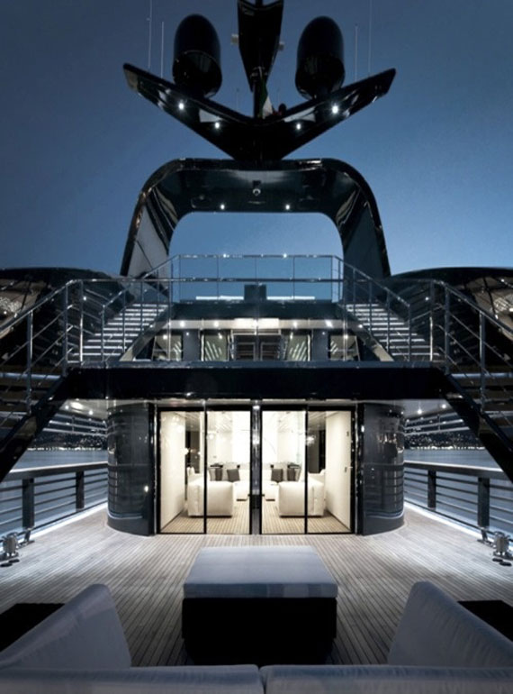y1 Exempel på glamorös yachtinredning som kommer att förvåna dig